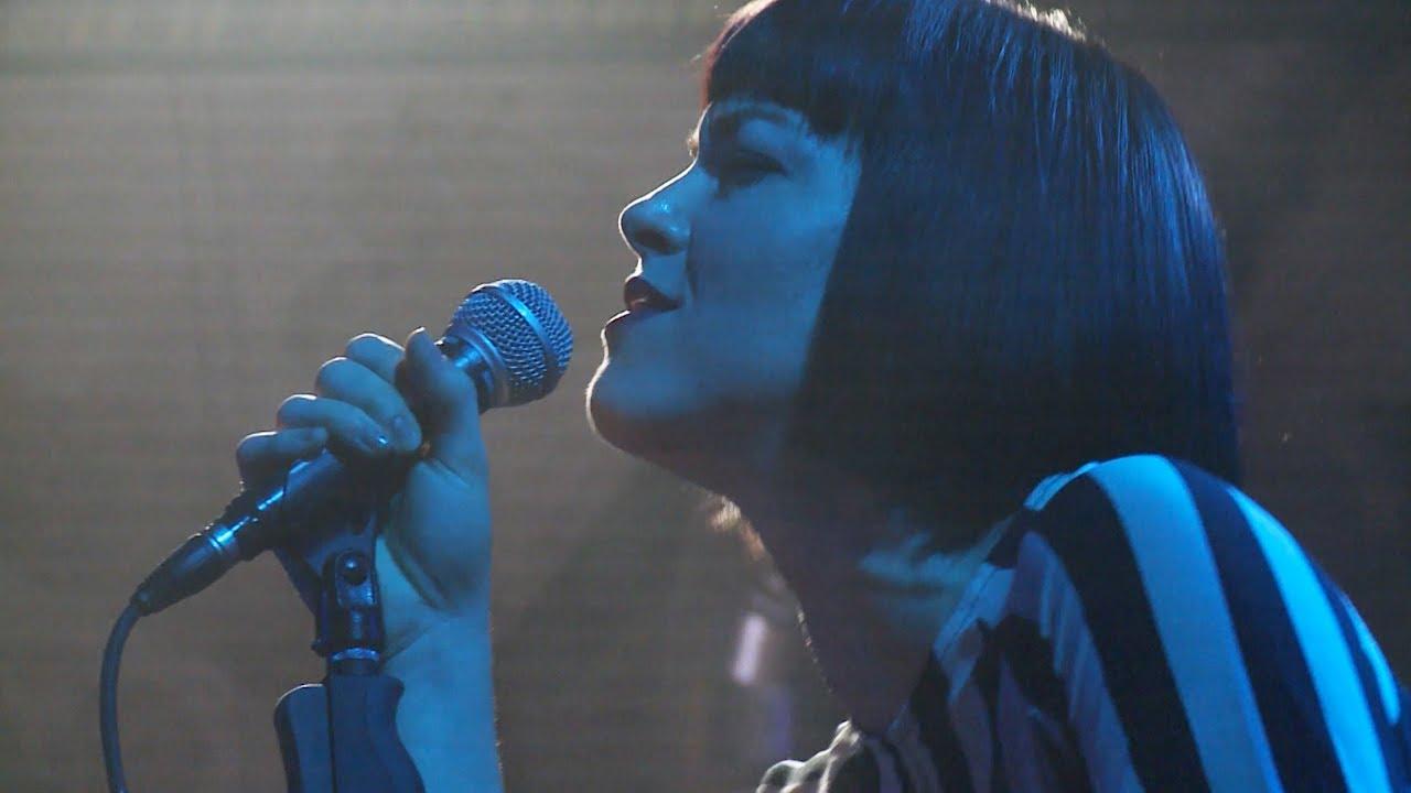 Videopremiere: Elise LeGrow - Rescue Me (Live in Berlin)