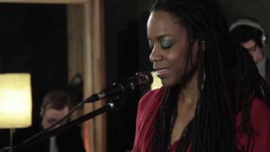 Klassiker: Akua Naru - Poetry: How Does It Feel Now??? (Live Performance) [Video]