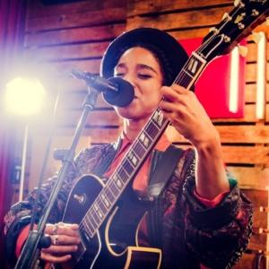 Lianne La Havas - I Say A Little Prayer (Aretha Franklin Cover) [Live Video]