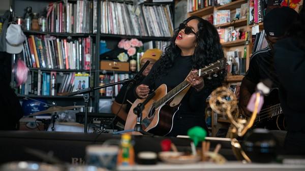 H.E.R.: Tiny Desk Concert (Video) #npr #tinydesk