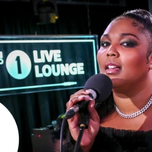 LIZZO performs JUICE in the BBC Radio 1 Live Lounge (Video)